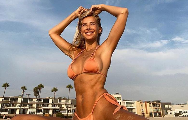 Η σέξι δασκάλα της γιόγκα με τη μοναδική ευλυγισία – News.gr